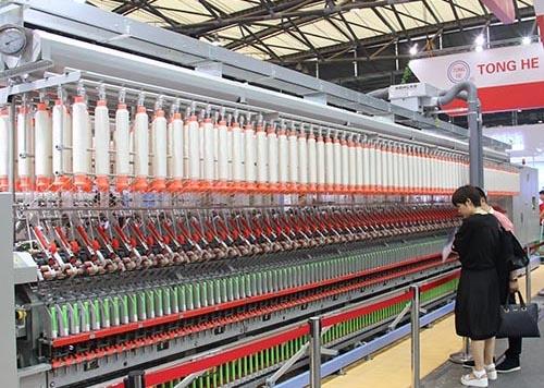 大型织布机