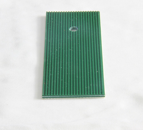 P22-16/19D  PVC绿色直条纹输送带